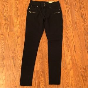 NEW Maurices Black Moto Zip Pockets Jeans Size 2